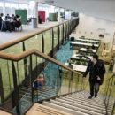 Nederland, Amsterdam, 17-03-2015  Het open leercentrum en de hal van het domein Economie en Management van de HVA aan de Fraijlemaborg in Amsterdam-Zuidoost. foto: Bram Budel